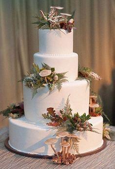 LOVE this!!!  Winter woodland cake