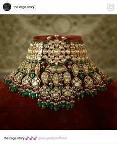 Wedding Jewelry Diamonds and emerald Sabyasachi heritage jewellery collection. Indian Jewelry Earrings, Indian Jewelry Sets, Indian Wedding Jewelry, India Jewelry, Dainty Jewelry, Gold Jewellery, Jewellery Shops, Lehenga Jewellery, Boho Jewelry