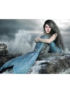 @givememyname000 You're a very beautiful mermaid <<<<< Her a mermaid Harry