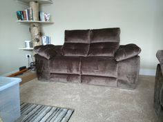 Meridian 2 seater sofa with fixed seats. Available in other sizes and configurations. Delivered to our client in Orpington. Modern Sofa, Modern Bedroom, Contemporary Furniture, Leather Bed, 2 Seater Sofa, Sofa Design, Recliner, Sofas, Couch