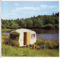 Ancienne pub de notre roulotte 1973 Thomson T-lines UK 1973 Glennevis 4 Berth
