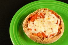 This idea from Snack-girl.com.  Easy little Muffin pizza.  Made this for the hubby but added a few Hormel uncured pepperoni's.  Yum!