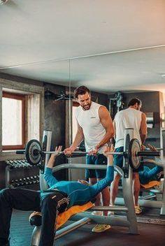 Bleibe auch im Urlaub fit und aktiv. Verbinde deinen Wellnessurlaub mit Sport im Hotel Jungbrunn in Tirol | Tannheimer Tal | Gutzeitort Bergen, Spa, Aktiv, Gym Equipment, Good Times, Places, Guys, Vacation, Workout Equipment