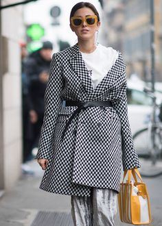 Fall Fashion Outfits Sylvia Haghjoo seen during Milan Fashion Week Fall/Winter on February 23 2017 in Milan Italy Look Fashion, Daily Fashion, Trendy Fashion, Winter Fashion, Fashion Trends, Milan Fashion, Fashion Photo, Fashion Mode, High Fashion