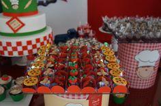 docinhos decorados em formato de pizza, festa pizzaria.   Party  Candy