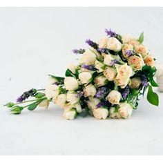 Buquê Para Casamento - Mini Rosas e Lavanda :: Batista Reis - Flores Online