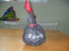 "Disarm the bomb - game superhero party. Maybe modify for baby shower by adding ""Say a super hero's name before passing the bomb. Batman Birthday, Superhero Birthday Party, 4th Birthday Parties, Boy Birthday, Birthday Ideas, Superhero Party Games, Superman Party, Party Time, Spy Party"