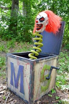 Outdoor Halloween Decor is the prime source of scare and fear. Halloween needs lots of preparation and decoration and outdoor… Continue Reading → Halloween 2018, Halloween Circus, Theme Halloween, Halloween Haunted Houses, Outdoor Halloween, Holidays Halloween, Halloween Diy, Halloween Wishes, Halloween Countdown