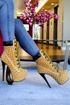 Ideas heels louis vuitton red bottoms christian louboutin shoesgirl, shoes, and fashion imagePantofi cu toc - Pantofi kaki de dama - ZibraIc High Heels Boots, Hot High Heels, Heeled Boots, Bootie Boots, Shoe Boots, Shoes Heels, Boot Heels, Ankle Boots, Louboutin Shoes