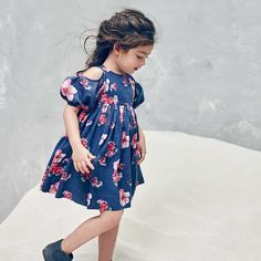 NELLY STELLA Vanessa Blossom Floral Dress – oh baby!