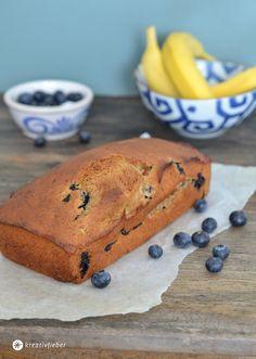 Veganes Bananenbrot mit Blaubeeren