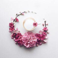 2017.3.3  Happy Friday✨ Yay . . . . . 今日はひな祭り 桃の花....ない ちょっと桃っぽくピンクで コーヒータイム☕️ . . . . . . . #花のある暮らし#コーヒー