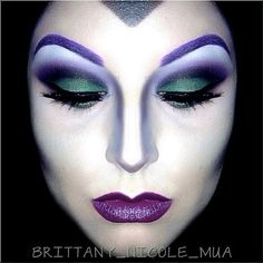 Looking for for ideas for your Halloween make-up? Browse around this website for perfect Halloween makeup looks. Maleficent Makeup, Disney Makeup, Maleficent Halloween, Maleficent Costume, Disney Character Makeup, Disney Villain Costumes, Disney Villains Makeup, Maleficent Party, Medusa Costume