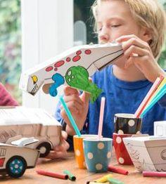dino knutselen met kinderen - leuk om te doen. Kartonnen bouwpakketje die geschilderd of ingekleurd kan worden #knutselen #kinderen #crafting #kids