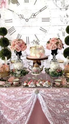 Hawaiian Party Decorations, Diy Wedding Decorations, Birthday Party Decorations, Fiesta Theme Party, Tea Party Theme, Happy Birthday Video, 60th Birthday Party, Tea Party Bridal Shower, Shower Party