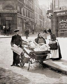 Antiguas y Clásicas Imágenes Fotográficas: cotilleo (Francia, 1900). marketing