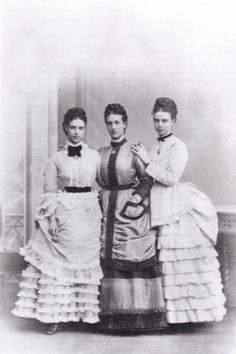L-R: Dagmar, Alexandra, and their younger sister, Thyra, later Crown Princess of Hanover and Duchess of Cumberland.