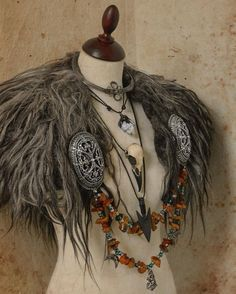 A collar from Vikings age. A collar from Vikings age. The post A collar from Vikings age. appeared first on Kleidung ideen. Viking Cosplay, Viking Garb, Viking Dress, Viking Costume, Vikings Costume Diy, Valkyrie Costume, Barbarian Costume, Viking Wedding Dress, Dryad Costume