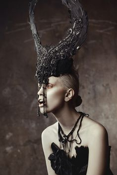 Haute macabre | high fashion | goth | editorial | dark fashion - inspiration frightfully stylish