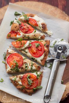 15 Minute Easy Margherita Flatbread Pizza - Let the Baking Begin! Let the Baking Begin!