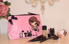 Gorgeous pink make up bag from HunniBunni Boutique as owned by the gorgeous Sam and Nic of Pixiwoo! Wash Bags, Eye Color, My Bags, Makeup Yourself, Mini Albums, Personalized Gifts, Chloe, Jewelry Bracelets, Make Up