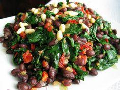 Spicy black bean spinach salad