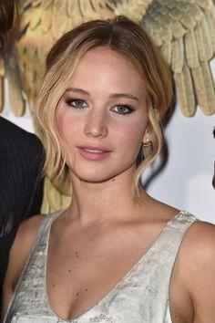Jennifer Lawrence stunned at the LA Mockingjay premiere