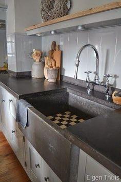 Prachtige landelijke keuken   Betonnen aanrechtblad   Huiselijk