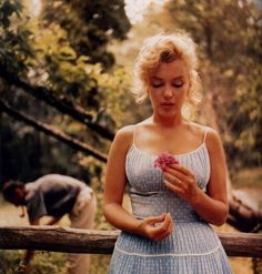 the photos from this session with Arthur Miller are my favorite of Marylin Monroe