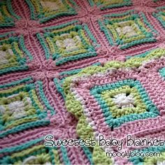 Adorable crochet baby blanket and free pattern! Sweetest Baby Blanket - Crochet Me Grannies Crochet, Baby Afghan Crochet, Crochet Motifs, Manta Crochet, Knit Or Crochet, Crochet Gifts, Cute Crochet, Crochet Squares, Crochet Stitches