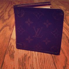 $565 Auth Men's Louis Vuitton Monogram Wallet ! If a nice leather wallet is a staple in any well dressed man's closet(as it should) then who better than Louis Vuitton? #FlawlessCondition #MakeAnOffer😊 Louis Vuitton Accessories Key & Card Holders