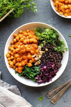 Masala Chickpea Buddha Bowl - Full of Plants - New Ideas Veggie Recipes, Healthy Dinner Recipes, Whole Food Recipes, Vegetarian Recipes, Cooking Recipes, Mexican Recipes, Veggie Bowl Recipe, Yummy Recipes, Vegan Bowl Recipes