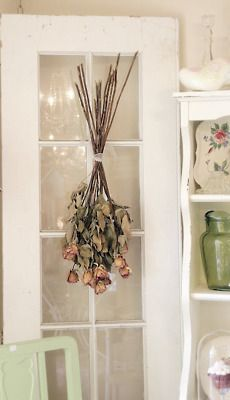 Dried rose bouquet door-hanging.  *tres chic* <3