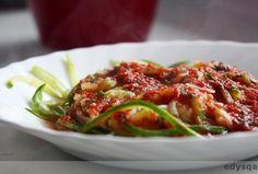 Sphagetti z cukinii z sosem pomidorowym - dieta E. Dąbrowskiej