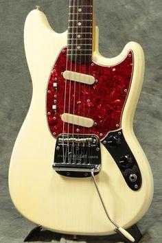 Fender USA USA / 1966年製 Vintage Mustang White S/N 155108【渋谷店】(中古)【楽器検索デジマート】