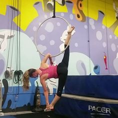 """Want to try the part *after* the elbow rolls. """"Obsessed with this split♡♡"""""""