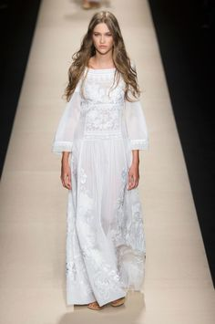 Fashion Show: Alberta Ferretti Spring Summer 2015 | 1