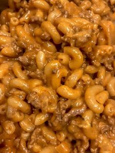 Travel back to the with this homemade hamburger helper. It's an easy, quick and budget friendly meal! meals with hamburger meat Homemade Hamburger Helper - Twins In Tow Beef Dishes, Pasta Dishes, Homemade Hamburger Helper, Easy Hamburger Meals, Supper Ideas With Hamburger, Hamburger Hotdish, Hamburger Noodle Casserole, Ground Beef Meals, Recipes With Ground Beef