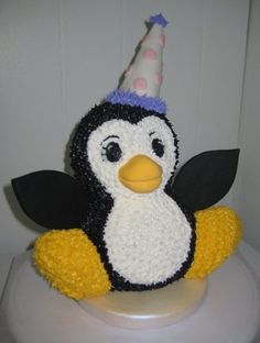 Penguin Cake. Oh my goodness!!!!!! I would die if I got a penguin cake