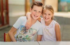 Mijn kids Max (12 jaar) en Jane (9 jaar) (2017). ♥♥ (Foto is van de schoolfotograaf).