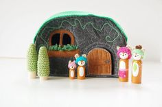 Woodland Cozy Cottage With Deer Family And extras - Felt Toy - Wooden Peg Doll Set - Felt House - Unique Gift - Zooble