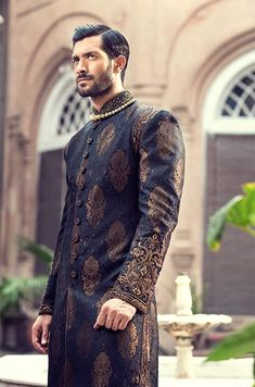 Black Sherwani Banarasi Jamawar Sherwani Boxboro Massachusetts US Men Sherwani Indian Groom Wear, Indian Wedding Wear, Indian Wear, Punjabi Wedding, Indian Weddings, Romantic Weddings, Sherwani For Men Wedding, Wedding Suits, Wedding Couples