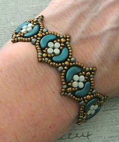 Linda's Crafty Inspirations: Bracelet of the Day: Fina Bracelet - Mint & Petrol