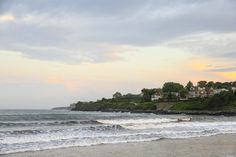 This 3.5-mile walk along the eastern shore of Newport, Rhode Island, merges…