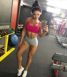 Gym Selfie www.OnlyRippedGirls.Com #Fitness #Gym #FitnessModel #Health #Athletic #BeachGirl #hardbodies #Workout I