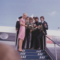 We All Live In A Yellow Submarine,Yellow Submarine — dittymisslizzy:   The Beatles arrive at the...