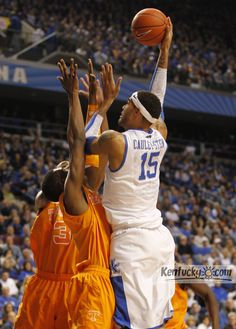 Kentucky Wildcats forward Willie Cauley-Stein (15)
