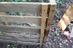 Pallet compost bin - Self Sufficient Sarah Outdoor Compost Bin, Self Sufficient, In The Tree, Ladder Decor, Pallet, Home And Garden, Wood, Composting, House Ideas
