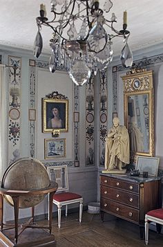 Formal elegance. Traditional Home.