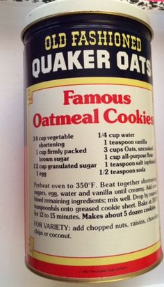 Old Fashioned Quaker Oats' Famous Oatmeal Cookies Oatmeal Cookie Recipes, Cookie Desserts, Dessert Recipes, Delicious Desserts, Quaker Oatmeal Raisin Cookies, Retro Recipes, Vintage Recipes, Old Recipes, Biscuits